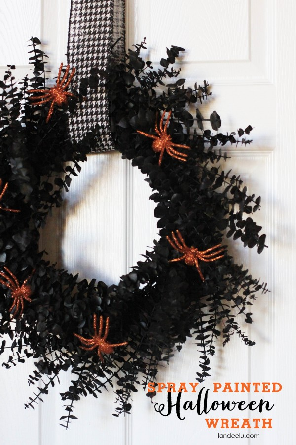Halloween Spray Painted Wreath Tutorial
