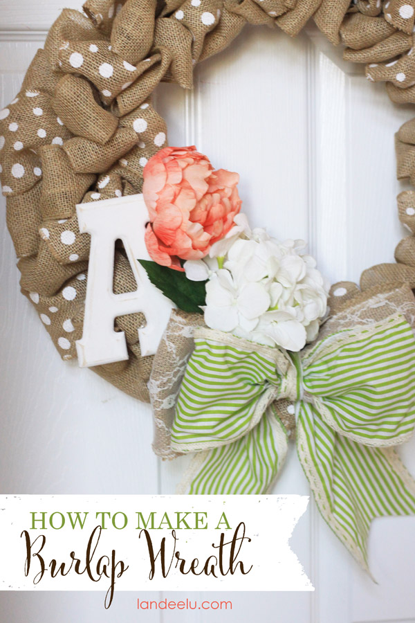 How To Make A Burlap Wreath | landeelu.com