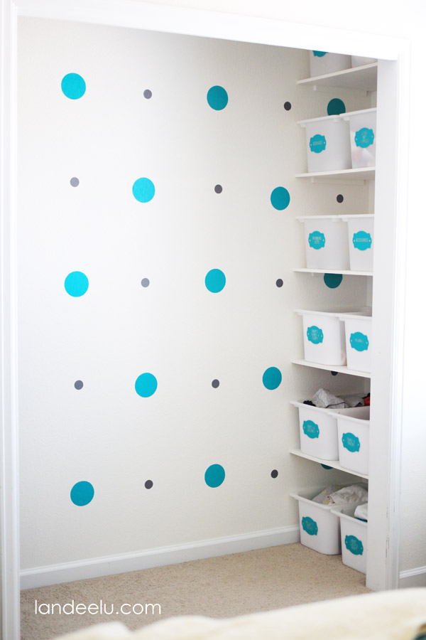 Closet Organization Tips to help keep your kids organized!