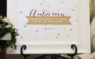 Free Autumn Printable | landeelu.com  A perfect way to add some gold into your fall decor!