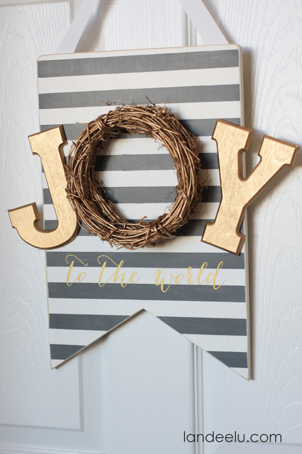Joy To The World Painted Christmas Sign  | landeelu.com