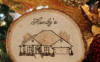 DIY Wood Burned House Sketch | landeelu.com  This would make such a neat gift this holiday!