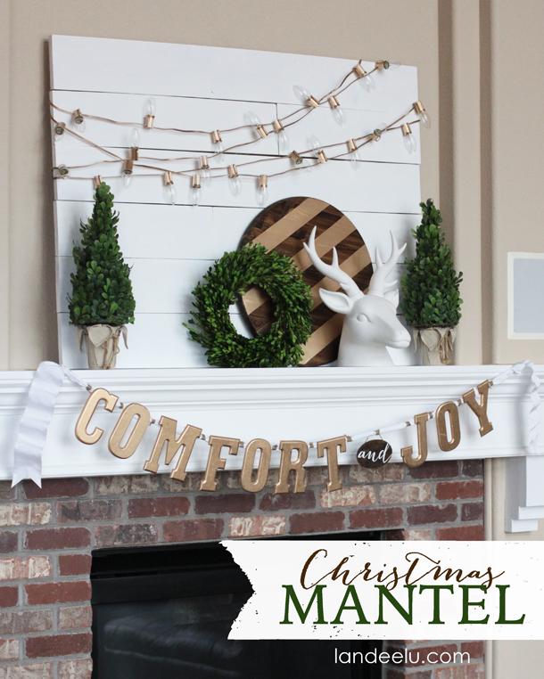Gold, White and Warm Christmas Mantel   landeelu.com So pretty!
