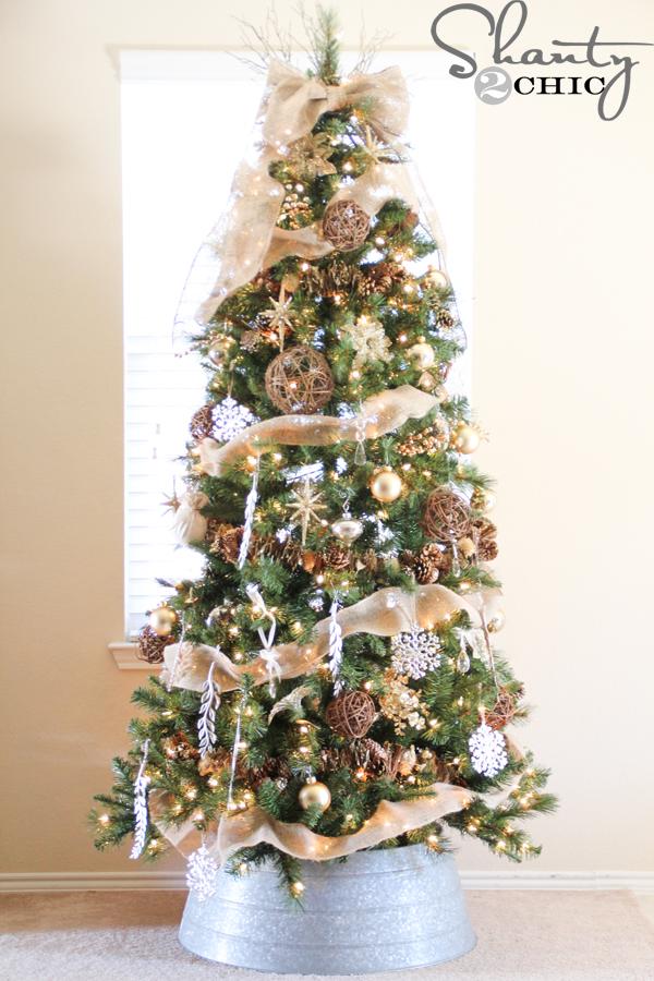 Inspiring Christmas Trees to spark your creativity!  | landeelu.com