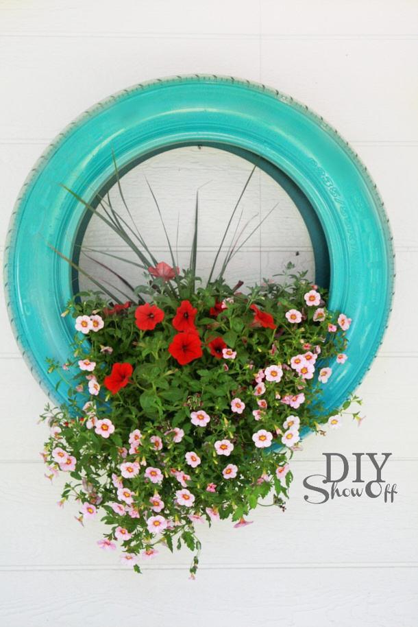 diyshowoff-tire-planter-tutorial  DIY Show Off roundup for landeelu dot com