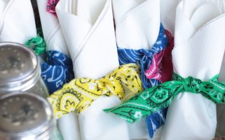 "Bandana Party Napkin ""Rings"" 
