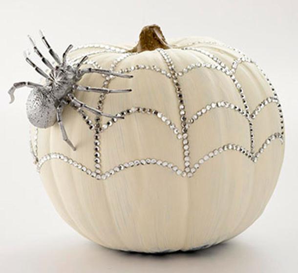 http://www.landeeseelandeedo.com/wp-content/uploads/2015/09/Bling-Pumpkin-BHG.jpg