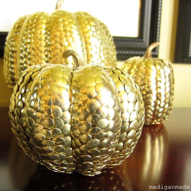 gold-thumbtack-metal-pumpkins02