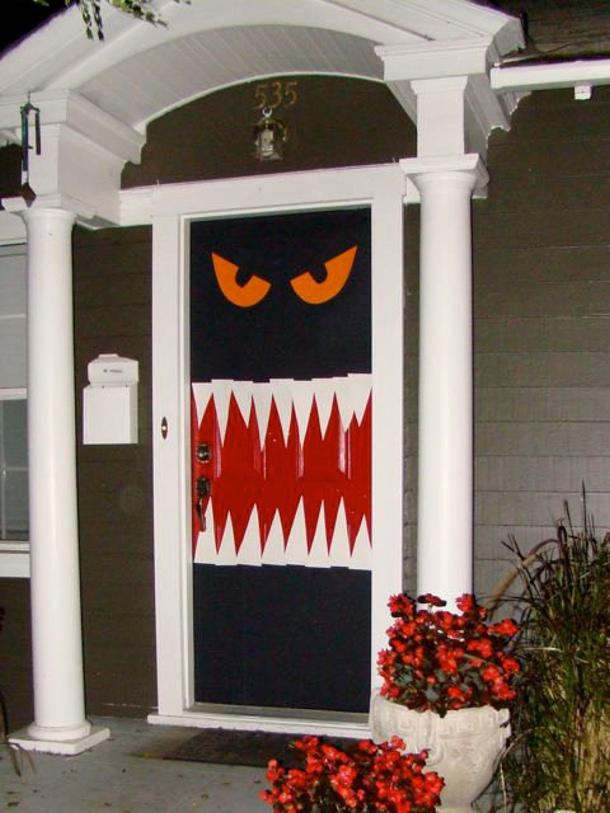 enter if you dare under 4 easy scary door via home jelly - Halloween Door Decoration Ideas