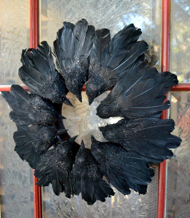 Black Flower And Crow Halloween Wreath: Fresh And Fabulous Halloween Wreath Ideas