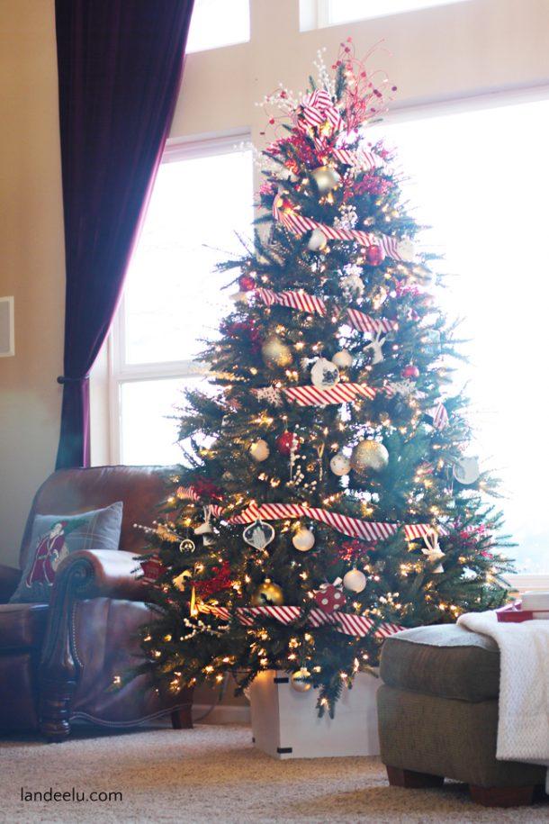 http://www.landeeseelandeedo.com/wp-content/uploads/2015/12/DIY-Christmas-Tree-Base.jpg