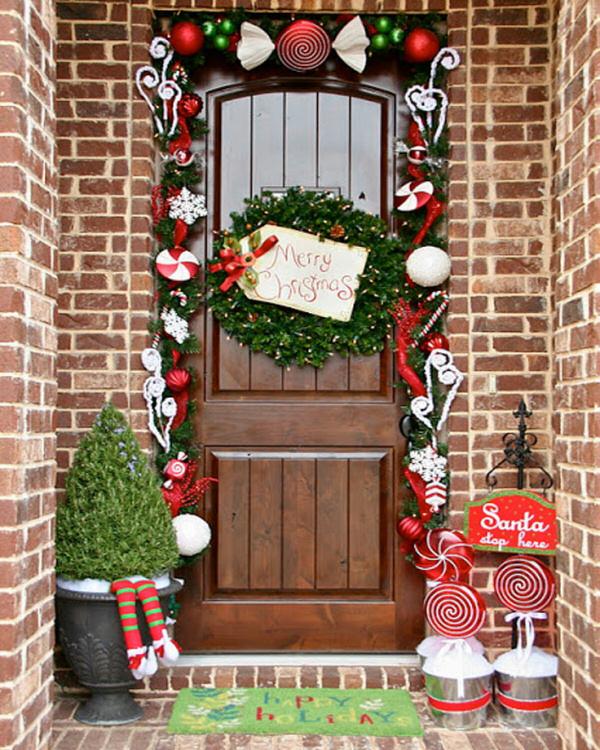 http://www.landeeseelandeedo.com/wp-content/uploads/2015/12/Garland-Framed-Front-Door.jpg