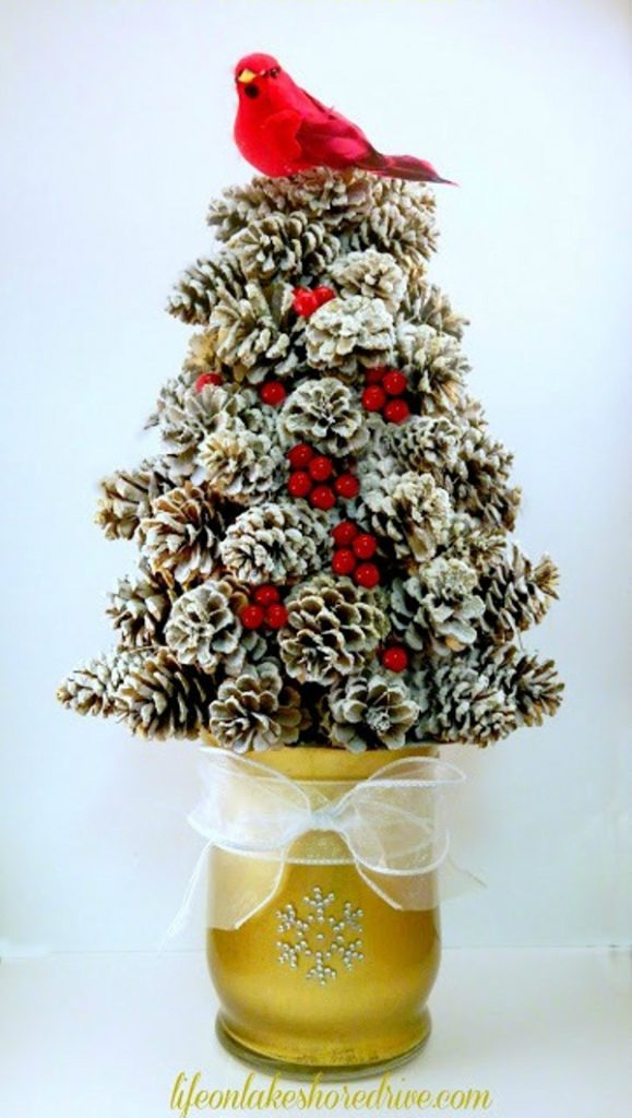 pinecone christmas crafts pretty winter crafts using pinecones landeelu 2683