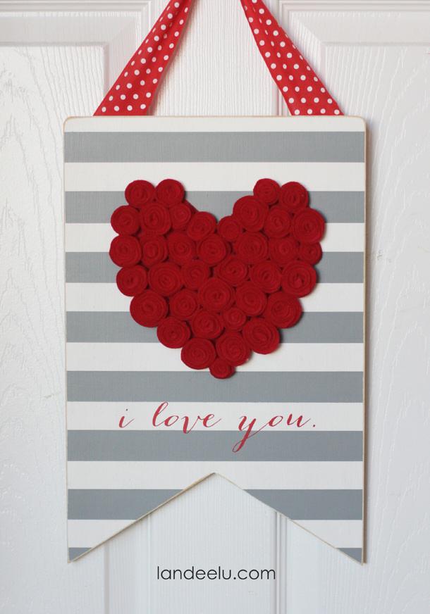 Felt-Rosette-Valentines-Day-Sign