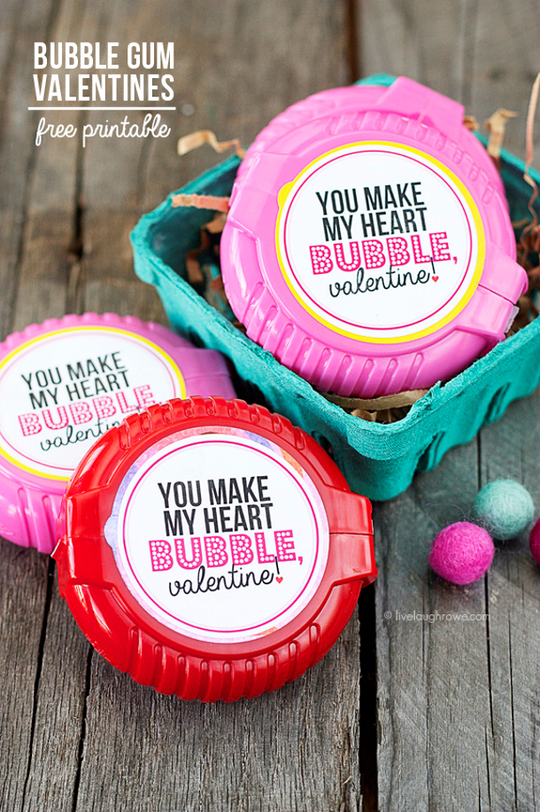 "I adore these because I love me some bubble gum every once in awhile! ""You Make My Heart Bubble, Valentine!"" Free Printable from www.livelaughrowe.com #bubblegum #valentines"