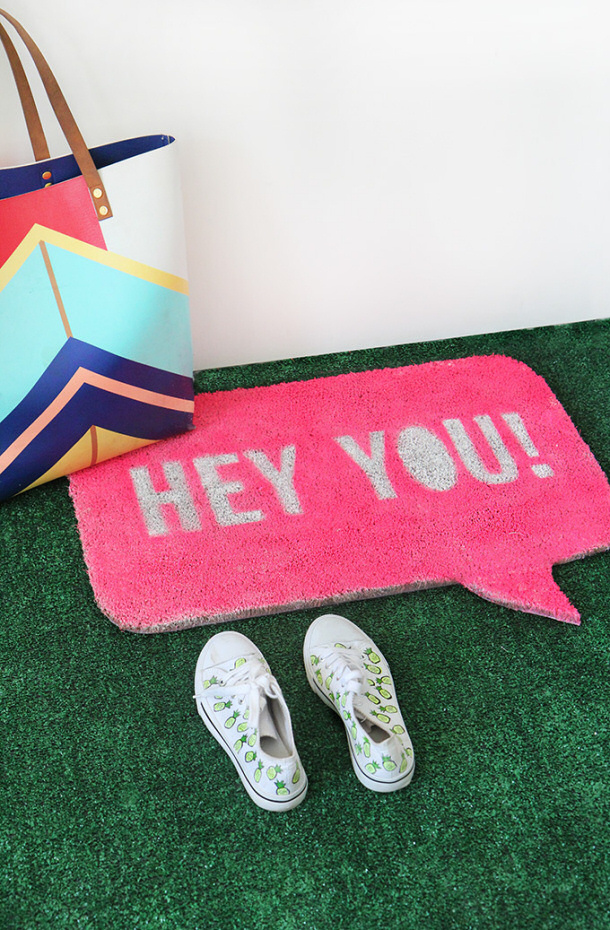 Quote Bubble DIY Welcome Mat via I SPY DIY