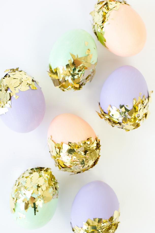 http://www.landeeseelandeedo.com/wp-content/uploads/2016/03/DIY-Confetti-Dipped-Easter-Eggs-Studio-DIY.jpg