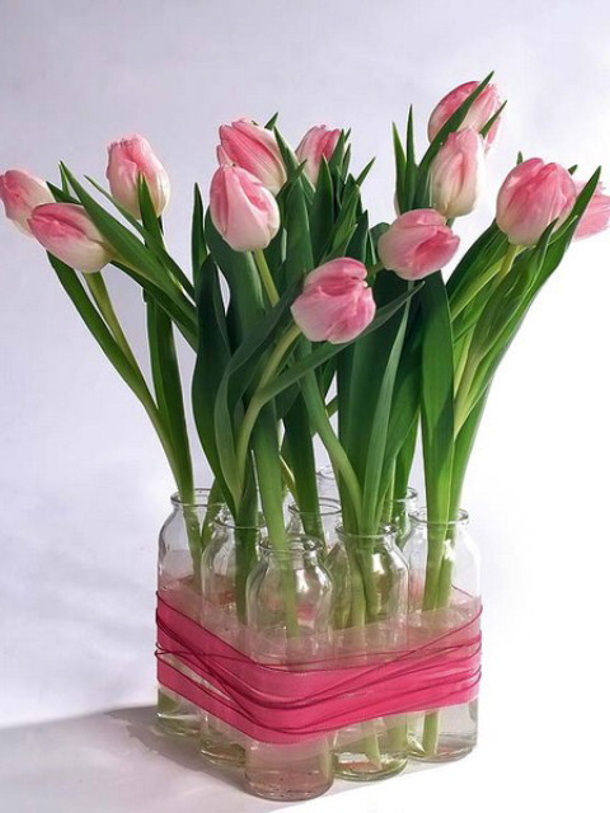 diy-spring-rose-tulips-centerpiece- shelterness