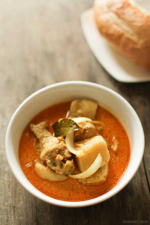 Chicken Curry Recipe - Vietnamese Chicken Curry Recipe via hungry huy