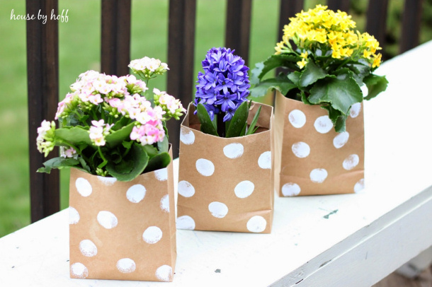 DIY gift ideas for Mothers Day - Paper Bag Flower Gift Tutorial via House by Hoff