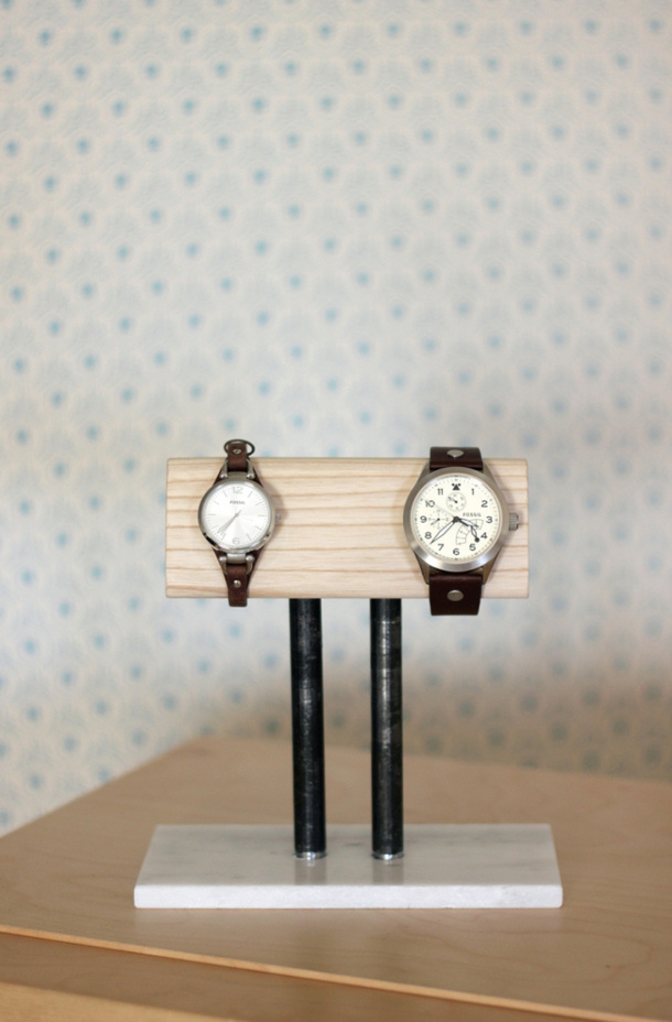 http://www.landeeseelandeedo.com/wp-content/uploads/2016/05/DIY-Fathers-Day-Gift-Ideas-Make-a-cool-DIY-Watch-Stand-for-the-nightstand-or-his-side-of-the-bathroom-or-closet-Tutorial-via-The-Merry-Thought.jpg