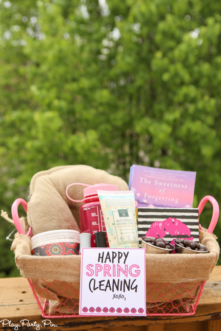 c3cc3e2884a5 Do it Yourself Gift Basket Ideas for All Occasions - landeelu.com