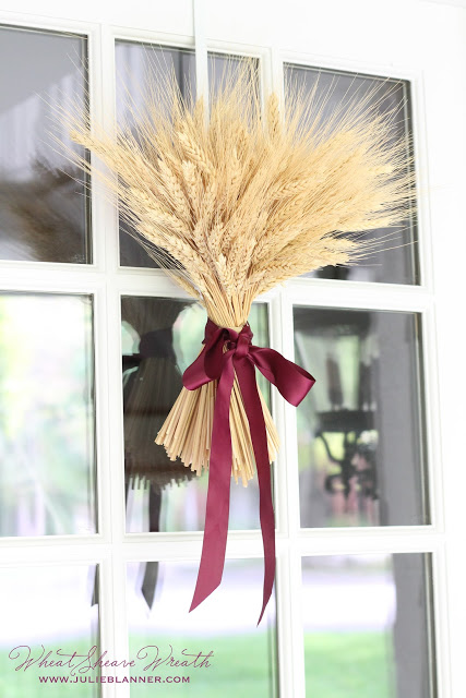 http://www.landeeseelandeedo.com/wp-content/uploads/2016/08/DIY-projects-ideas-Fall-Wreaths-DIY-Fall-Wheat-Sheaf-Wreath-Simple-and-Classy-Craft-via-Julie-Blanner.jpg