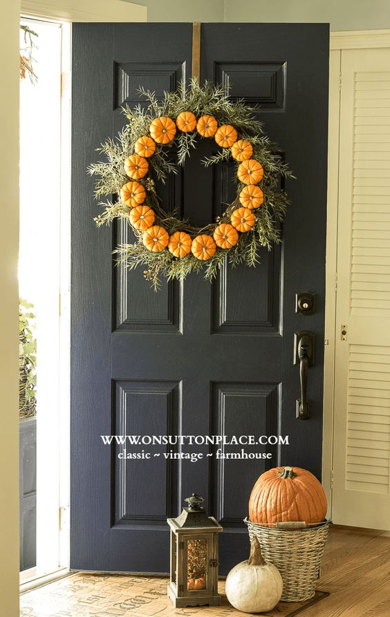 Diy projects pretty diy fall wreaths for Diy thanksgiving door decorations