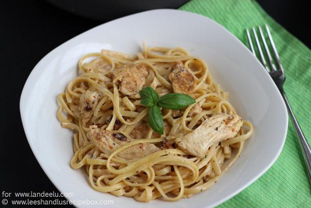 http://www.landeeseelandeedo.com/wp-content/uploads/2016/09/Cajun-Chicken-Pasta-1-Landee.jpg