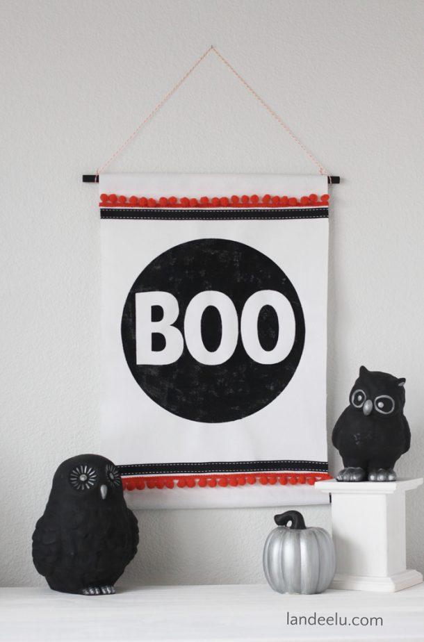http://www.landeeseelandeedo.com/wp-content/uploads/2016/09/Halloween-Craft-Boo-Wall-Hanging-using-Stencil.jpg