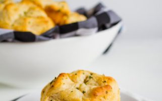 Love this shortcut to delicious garlic dinner rolls!