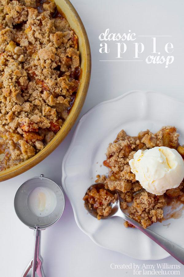 Classic Apple Crisp Dessert Recipe | Landeelu - Apple Recipes