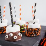 Halloween Treats:  Marshmallow Pops