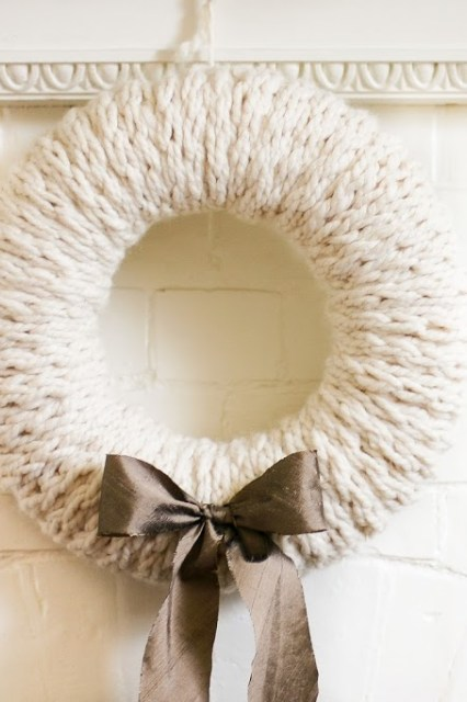 Cozy Finger-Knit Wreath Tutorial   Flax and Twine