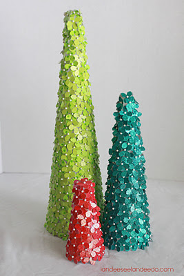 DIY Glitter and Cardstock Christmas Trees Decorations Tutorial - The perfect size for your Winter Mantel Display!   Landeelu