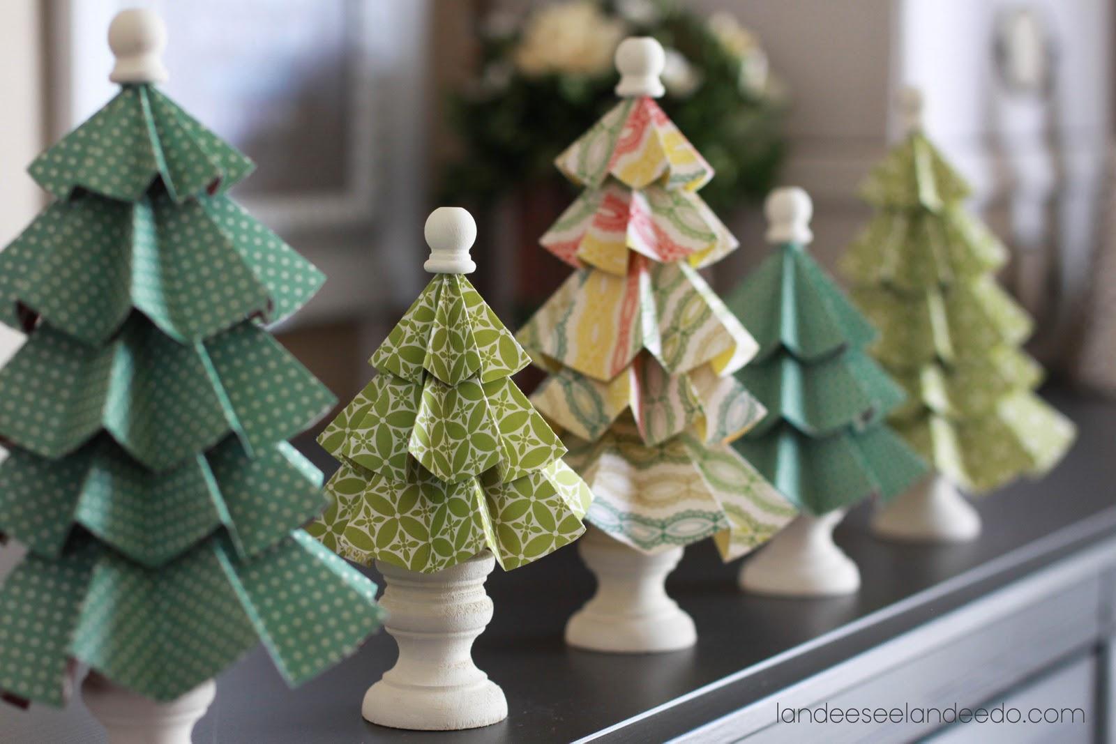 Красивая новогодняя елка из бумаги своими руками