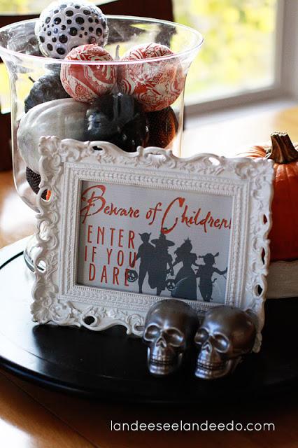 """Beware of Children! Enter if you dare"" Funny Halloween Free Printable | Landeelu"