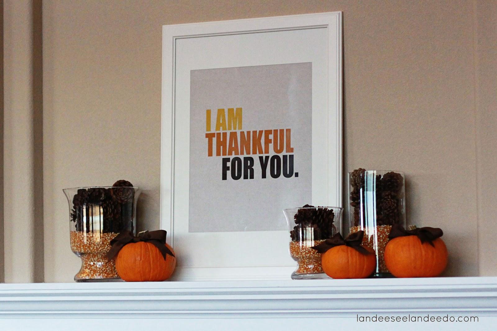 simple thanksgiving mantel