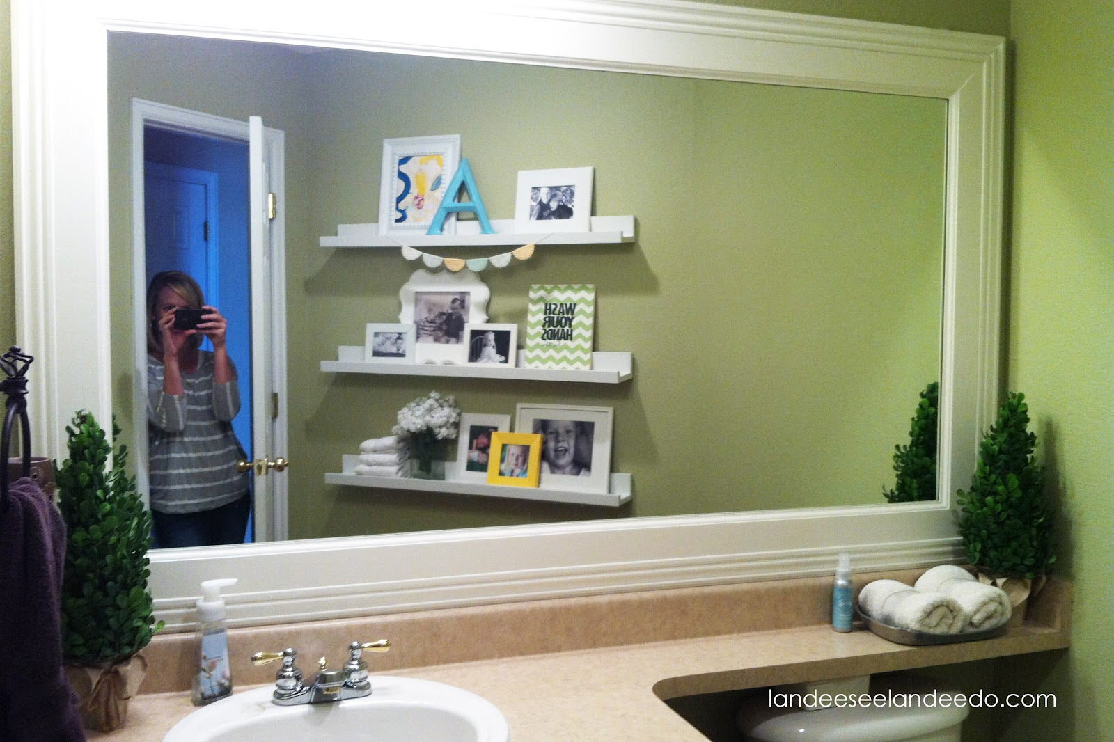 floating bathroom shelves awesome design   a1houston. White Bathroom Shelves Photo Gallery   1yellowpage com